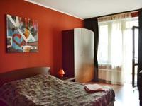 2-комнатная квартира, 68 м², 3/9 этаж посуточно
