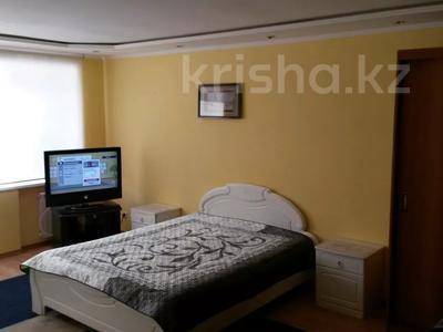 1-комнатная квартира, 35 м², 2/5 этаж посуточно, Толстого 50 — Абая за 6 000 〒 в Костанае — фото 4