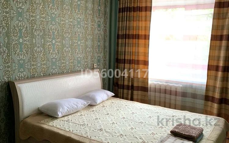 2-комнатная квартира, 52 м², 2/9 этаж посуточно, проспект Шакарима — Пестеля за 6 000 〒 в Семее