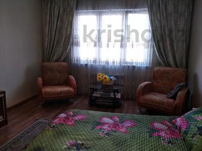 1-комнатная квартира, 55 м², 10/12 этаж посуточно, мкр Жетысу-3 — Абая за 7 000 〒 в Алматы, Ауэзовский р-н — фото 3