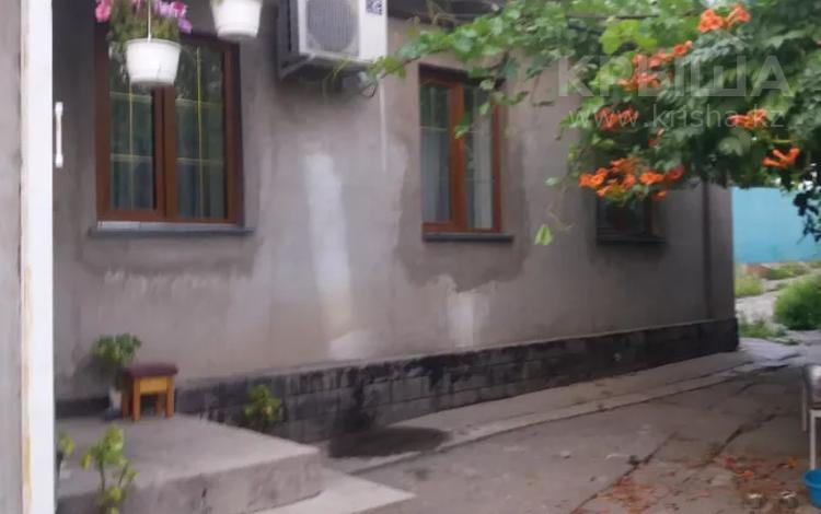 6-комнатный дом, 100 м², 6 сот., Бекмаханова — Суюнбая за 20.5 млн 〒 в Алматы, Турксибский р-н