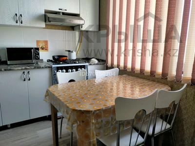 2-комнатная квартира, 64 м², 5/5 этаж на длительный срок, 32Б мкр 6 за 140 000 〒 в Актау, 32Б мкр