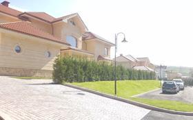 10-комнатный дом, 1000 м², 320 сот., мкр Хан Тенгри, Тарлан за 700 млн 〒 в Алматы, Бостандыкский р-н