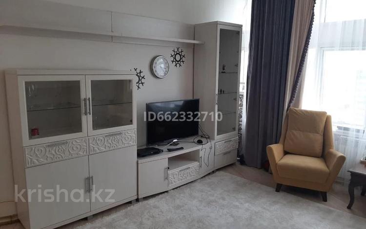 5 комнат, 199 м², Кунаева 12/2 — Акмешит за 35 000 〒 в Нур-Султане (Астана), Есиль р-н