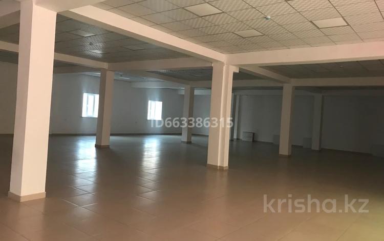 Помещение площадью 600 м², Проспект Жамбыла 18 а за 2 500 〒 в Таразе