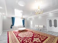 7-комнатный дом, 360 м², 10 сот., Мкр Уркер 33 за 52 млн 〒 в Нур-Султане (Астане), Есильский р-н