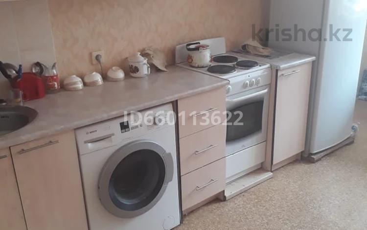 1-комнатная квартира, 38 м², 2/9 этаж, Дукенулы 37 за 12.5 млн 〒 в Нур-Султане (Астана), Сарыарка р-н