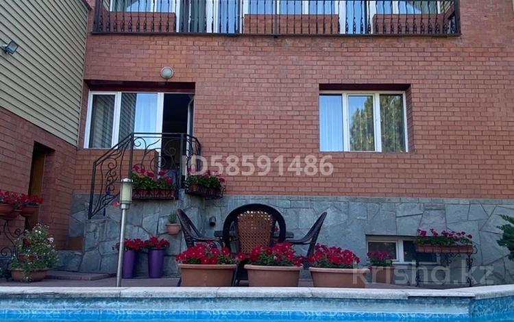 4-комнатный дом, 226 м², 6.4 сот., мкр Рахат за 112 млн 〒 в Алматы, Наурызбайский р-н