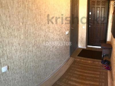 1-комнатная квартира, 36 м², 7/12 этаж посуточно, улица Казахстан 72 за 8 000 〒 в Усть-Каменогорске — фото 7