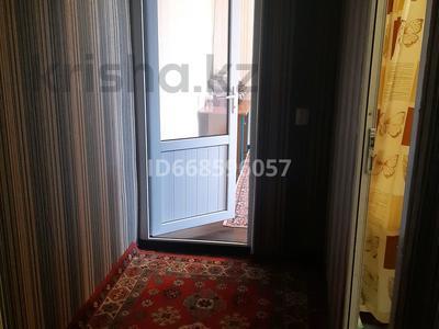 1-комнатная квартира, 36 м², 4/5 этаж посуточно, мкр Север 9 — Рыскулова за 6 500 〒 в Шымкенте, Енбекшинский р-н