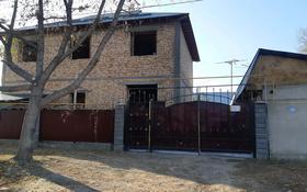 7-комнатный дом, 200 м², 6 сот., мкр 6-й градокомплекс, 6-й градокомплекс за 26 млн 〒 в Алматы, Алатауский р-н