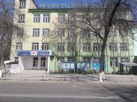 Здание, площадью 1282 м²