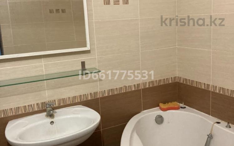 2-комнатная квартира, 43 м², 2/7 этаж, Бараева 13 — Иманбаевой за 17 млн 〒 в Нур-Султане (Астана), р-н Байконур