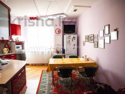 4-комнатная квартира, 201 м², 11/18 этаж, Курмангазы 145 — Муканова за 125 млн 〒 в Алматы, Алмалинский р-н — фото 12