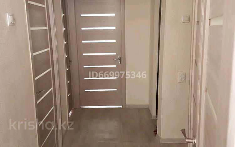 3-комнатная квартира, 65 м², 1 этаж посуточно, 4 мкр за 15 000 〒 в Капчагае