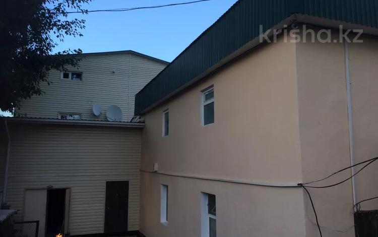 18-комнатный дом, 450 м², Иманова — Асан кайгы за 65 млн 〒 в Нур-Султане (Астана), Алматы р-н