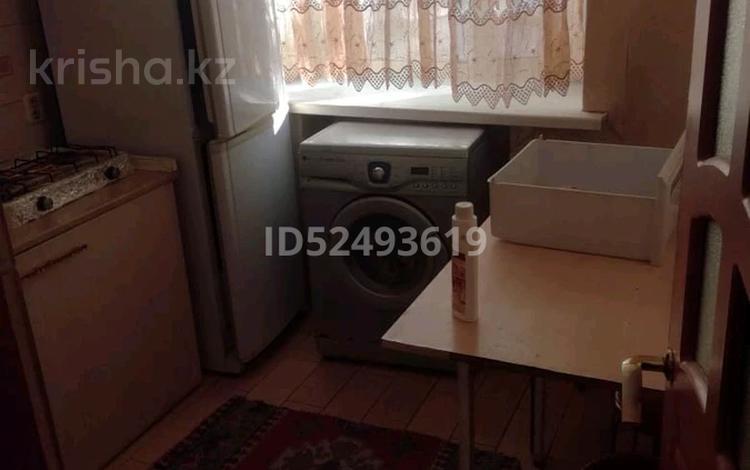 2-комнатная квартира, 44 м², 1/5 этаж, Гоголя 57 — Абдирова за 10.5 млн 〒 в Караганде, Казыбек би р-н