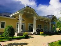 8-комнатный дом, 403.8 м², 220 сот.