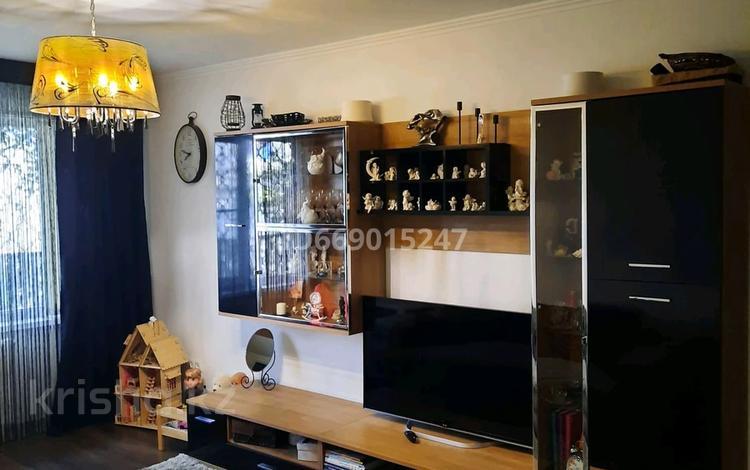 1-комнатная квартира, 30 м², 1/5 этаж, мкр 5 за 8.5 млн 〒 в Актобе, мкр 5
