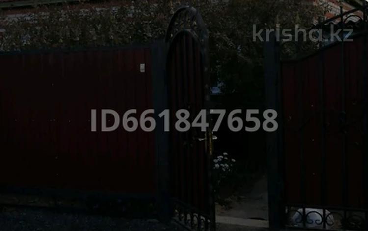 4-комнатный дом, 64 м², 4 сот., улица Беимбета Майлина 29 — Шевченко и Майлина за 10 млн 〒 в Рудном