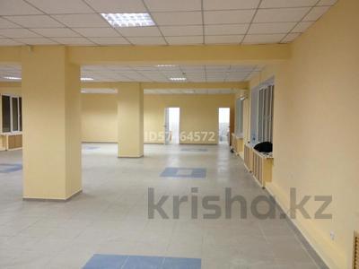 Здание, площадью 645 м², Сарайшык 49/1 — Аманжолова за 115 млн 〒 в Уральске — фото 2