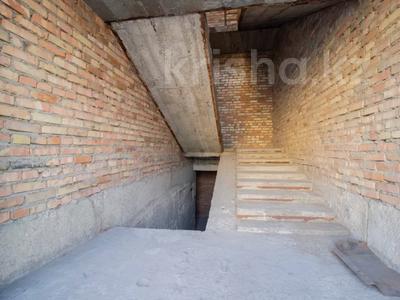 Здание, площадью 1200 м², Абылай-Хана 188 — Жансугурова за 225 млн 〒 в Талдыкоргане — фото 9