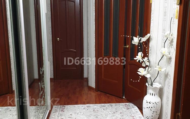 3-комнатная квартира, 93 м², 6/6 этаж, Болашак 129Е — Богенбай батыра за 18.5 млн 〒 в Актобе
