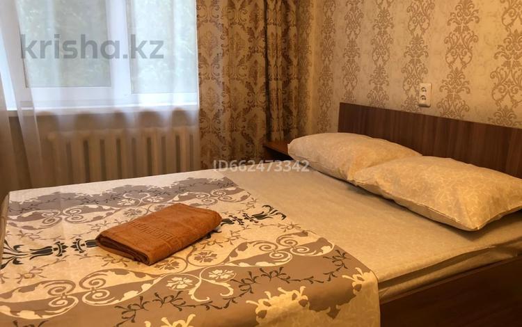 1-комнатная квартира, 32 м², 2/5 этаж посуточно, Бурова 25/3 за 6 000 〒 в Усть-Каменогорске