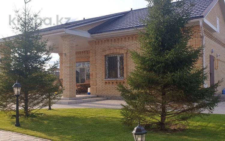 6-комнатный дом, 261 м², 10 сот., Заводская за 86 млн 〒 в Рудном