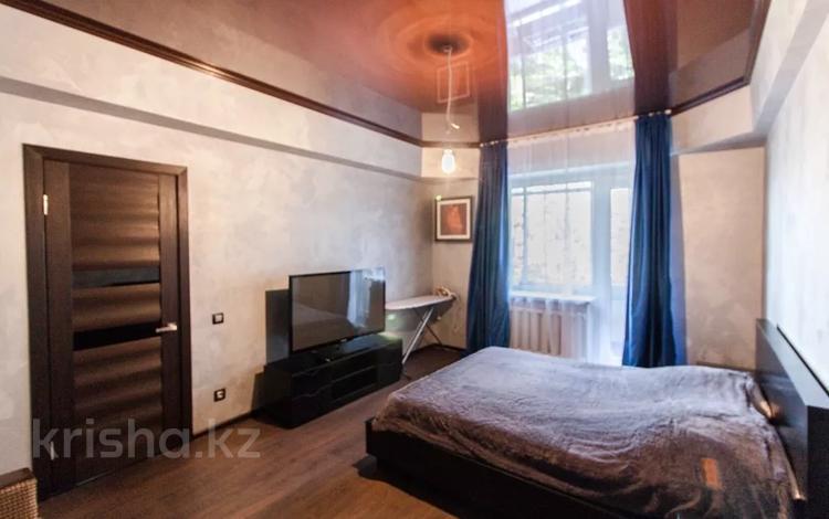 1-комнатная квартира, 38 м², 3/5 этаж посуточно, Фурманова 80 — Гоголя за 9 999 〒 в Алматы, Медеуский р-н