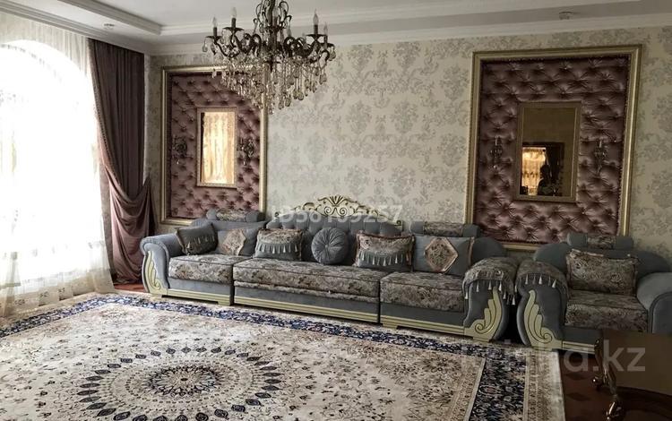 8-комнатный дом, 440 м², 9 сот., Петрова 31 — Желтоксан за 60 млн 〒 в Таразе
