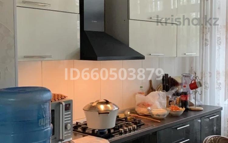9-комнатный дом помесячно, 276 м², 8 сот., Умралиева за 300 000 〒 в Каскелене