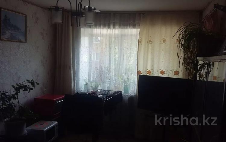 3-комнатная квартира, 55 м², 2/5 этаж, Бирюзова 1 — Магнитогорская за 11.2 млн 〒 в Караганде