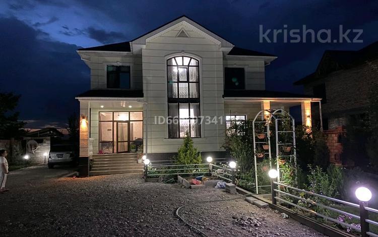 7-комнатный дом, 224 м², 8 сот., Мустафина 55 за 82 млн 〒 в Туздыбастау (Калинино)