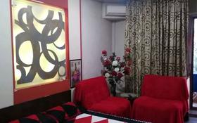 2-комнатная квартира, 72 м², 5/5 этаж по часам, Панфилова 54 — Макатаева за 1 500 〒 в Алматы, Алмалинский р-н