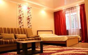 1-комнатная квартира, 34 м², 3/5 этаж посуточно, Лермонтова 104 — Пр.Назарбаева за 6 000 〒 в Павлодаре