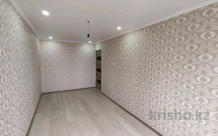 2-комнатная квартира, 45 м², 4/5 этаж, проспект Республики за 14.5 млн 〒 в Шымкенте, Аль-Фарабийский р-н