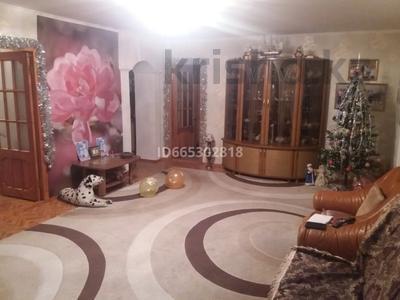 3-комнатная квартира, 102 м², 4/5 этаж, Жумабаева за 28 млн 〒 в Нур-Султане (Астане), Алматы р-н