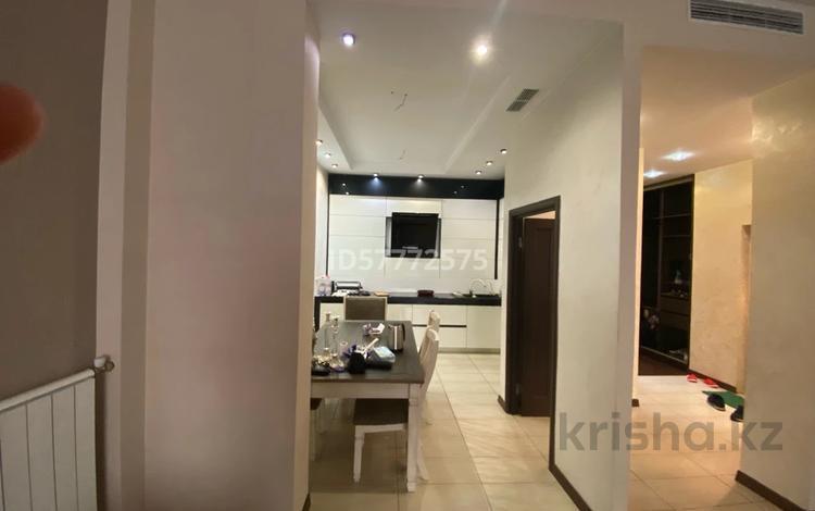 3-комнатная квартира, 120 м², 1/3 этаж, Мирас 157 — Аскарова за 75.5 млн 〒 в Алматы, Бостандыкский р-н