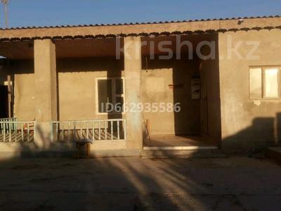 8-комнатный дом, 200 м², 6 сот., Ерлік 84 — Центральный за 15.5 млн 〒 в Актау