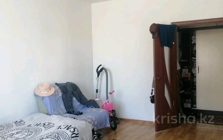 1-комнатная квартира, 42 м², 1/5 этаж, 6 микр 21 за 12.5 млн 〒 в Талдыкоргане