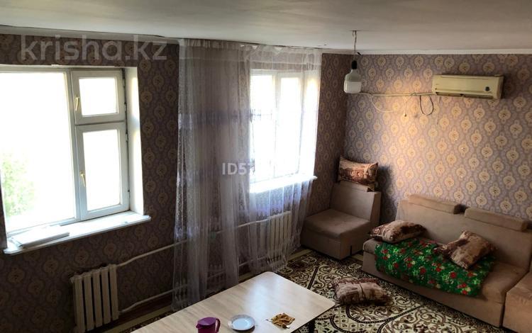 3-комнатная квартира, 100 м², 3/4 этаж, Каратауский р-н, мкр Нурсат за 28 млн 〒 в Шымкенте, Каратауский р-н