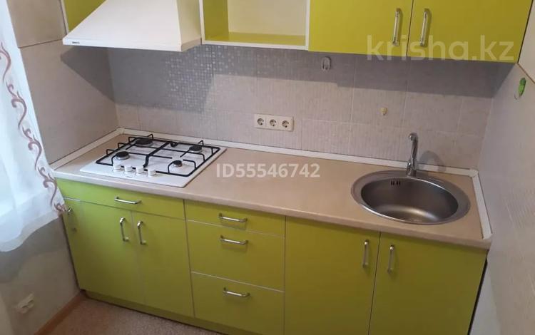 1-комнатная квартира, 33 м², 5/5 этаж помесячно, мкр Тастак-1 3 за 100 000 〒 в Алматы, Ауэзовский р-н