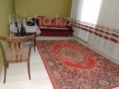 3-комнатная квартира, 65 м², 4/5 этаж помесячно, Авангард-4 1 за 100 000 〒 в Атырау, Авангард-4 — фото 5