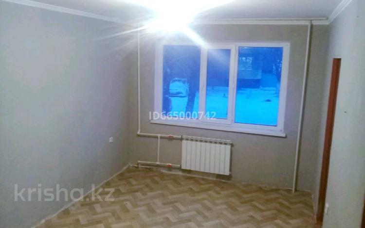 3-комнатная квартира, 49 м², 1/5 этаж, Тургенева 78 — проспект Абая за 7.6 млн 〒 в Актобе