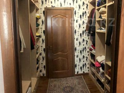 4-комнатная квартира, 140 м², 2/15 этаж, Навои 62 — Джандосова за 60 млн 〒 в Алматы, Ауэзовский р-н — фото 15