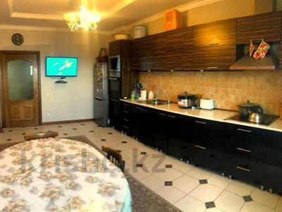 4-комнатная квартира, 140 м², 2/15 этаж, Навои 62 — Джандосова за 60 млн 〒 в Алматы, Ауэзовский р-н — фото 4