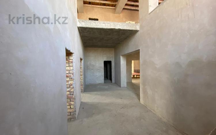 4-комнатный дом, 561 м², 10 сот., Орынбор 2 за 58 млн 〒 в