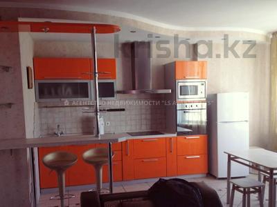 2-комнатная квартира, 64 м², 6/9 этаж помесячно, Достык 12 за 250 000 〒 в Алматы, Медеуский р-н