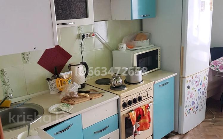 1-комнатная квартира, 41 м², 1/10 этаж помесячно, мкр Юго-Восток, Гульдер 2 18 — Муканова за 85 000 〒 в Караганде, Казыбек би р-н